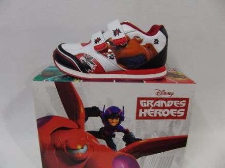 Image disney-zapatillas-baymax-grandes-heroes-con-luces-23-al-30-441401-MLA20304980732_052015-O.jpg