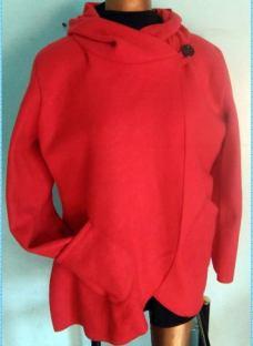 http://articulo.mercadolibre.com.ar/MLA-610797937-capa-tapado-polar-ccapucha-larga-talles-especiales-4-al-10-_JM