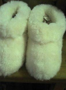 http://articulo.mercadolibre.com.ar/MLA-610820272-pantuflas-corderito-unisex-oveja-dobles-_JM