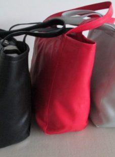 http://articulo.mercadolibre.com.ar/MLA-621023025-bolso-en-cuerina-_JM