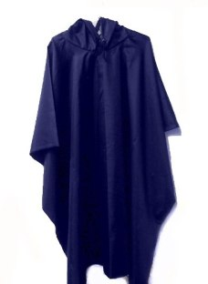 http://articulo.mercadolibre.com.ar/MLA-618117835-capa-de-lluvia-poncho-piloto-impermeable-_JM