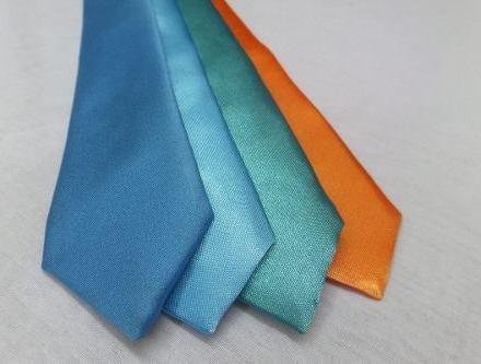 http://articulo.mercadolibre.com.ar/MLA-613117216-corbatas-ninos-y-bebes-tambien-comunion-monos-_JM