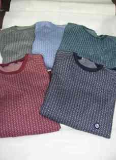 http://articulo.mercadolibre.com.ar/MLA-609638586-pijama-jackard-clasico-_JM