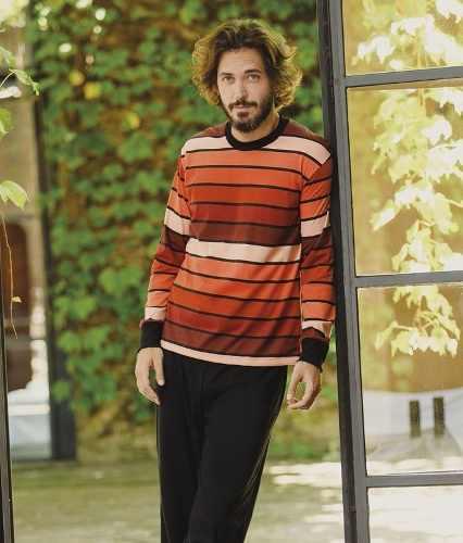 http://articulo.mercadolibre.com.ar/MLA-613210682-pijamas-de-hombre-lencatex-g3-talles-1-al-5-varios-modelos-_JM