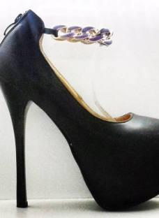http://articulo.mercadolibre.com.ar/MLA-613167337-stilettos-importados-taco-killer-mia-cavalli-_JM