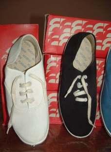 http://articulo.mercadolibre.com.ar/MLA-607220059-zapatillas-flecha-nauticas-numero-44-blanca-oportunidad-_JM