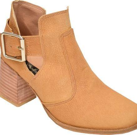 http://articulo.mercadolibre.com.ar/MLA-633297385-botas-de-cuero-caladas-con-taco-ancho-primavera--_JM