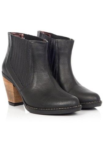 http://articulo.mercadolibre.com.ar/MLA-617280777-botinetas-mujeres-heyas-spa-negro-cuero-cuadrado-_JM