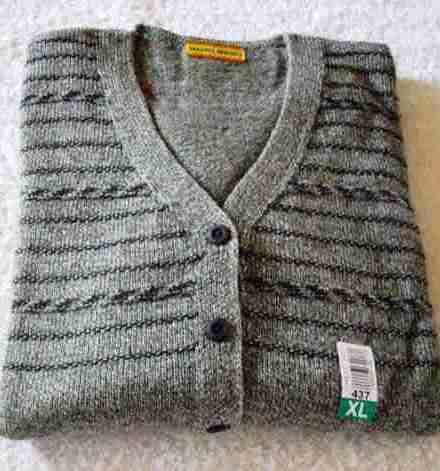 http://articulo.mercadolibre.com.ar/MLA-605145341-cardigan-pdama-mauro-sergio-cbolsillos-oferta-imperdible-_JM