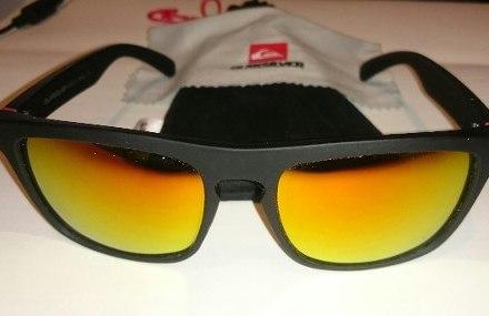 http://articulo.mercadolibre.com.ar/MLA-627876117-gafas-anteojos-de-sol-quicksilver-original-_JM
