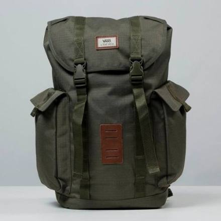 http://articulo.mercadolibre.com.ar/MLA-633941483-mochila-estilo-militar-vans-off-the-wall-originales-_JM