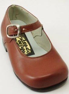 http://articulo.mercadolibre.com.ar/MLA-622680633-zapatos-nena-cuero-suela-un-solo-uso-1718192021232526-_JM