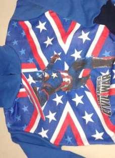 http://articulo.mercadolibre.com.ar/MLA-623302739-buzos-de-avengers-y-capitan-america-_JM