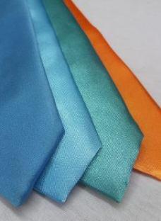 http://articulo.mercadolibre.com.ar/MLA-613117216-corbatas-ninos-y-bebes-comunion-monos-hasta-11-anos-_JM