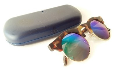 http://articulo.mercadolibre.com.ar/MLA-635726682-lentes-de-sol-erika-marco-animal-opaco-espejados-_JM