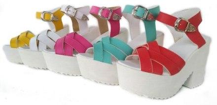 http://articulo.mercadolibre.com.ar/MLA-610105157-sandalias-plataforma-zapatos-mujer-suecos-oferta-_JM