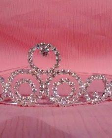 http://articulo.mercadolibre.com.ar/MLA-614830543-tiara-corona-peineta-strass-vinchas15-anos-novia-fiesta--_JM
