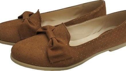 http://articulo.mercadolibre.com.ar/MLA-605599134-zapatos-chatitas-mocasines-con-tachas-y-mono-simil-gamuza-_JM
