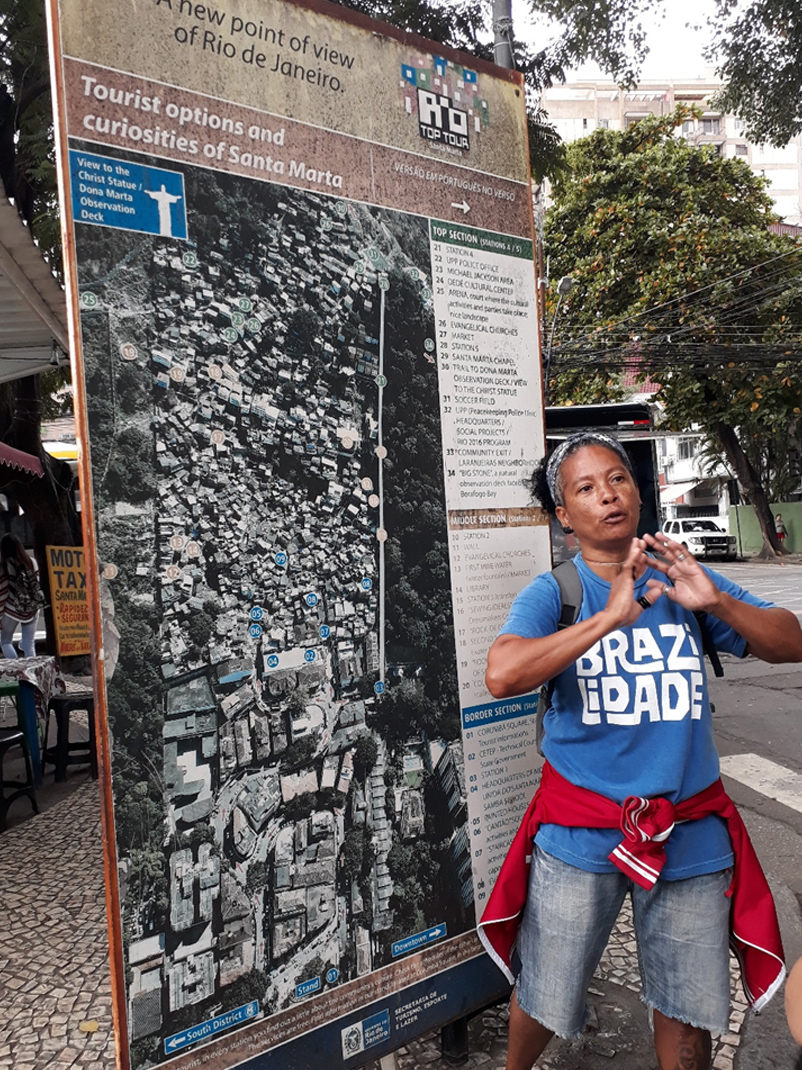 Sheila Souza introduces us to Santa Marta in Praca Corumba
