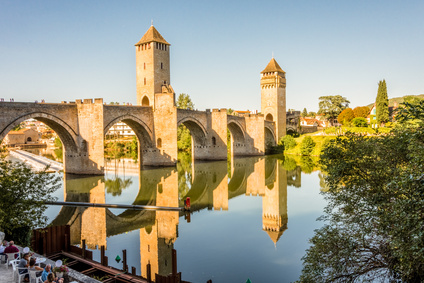 Hire a coach with driver in Cahors