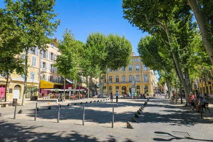 Bus rental in Aix-en-Provence