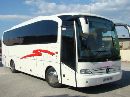 Bus rental in Salon de Provence