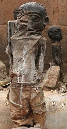 voodoo-steinfiguren