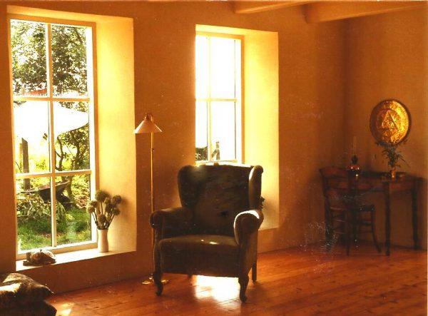 afbeelding van een stoel in een woonkamer gevonden op www.coachingmetsanne.com goede coach levensles