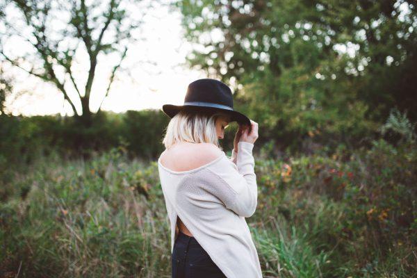 Zelfkritiek: zo doorbreek je liefdevol de neerwaartse spiraal