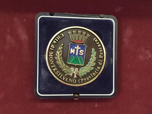 La medaglia che la Città di Montesilvano ha dedicato al Dottor Giovanni Valenti per il suo straordinario gesto di solidarietà...