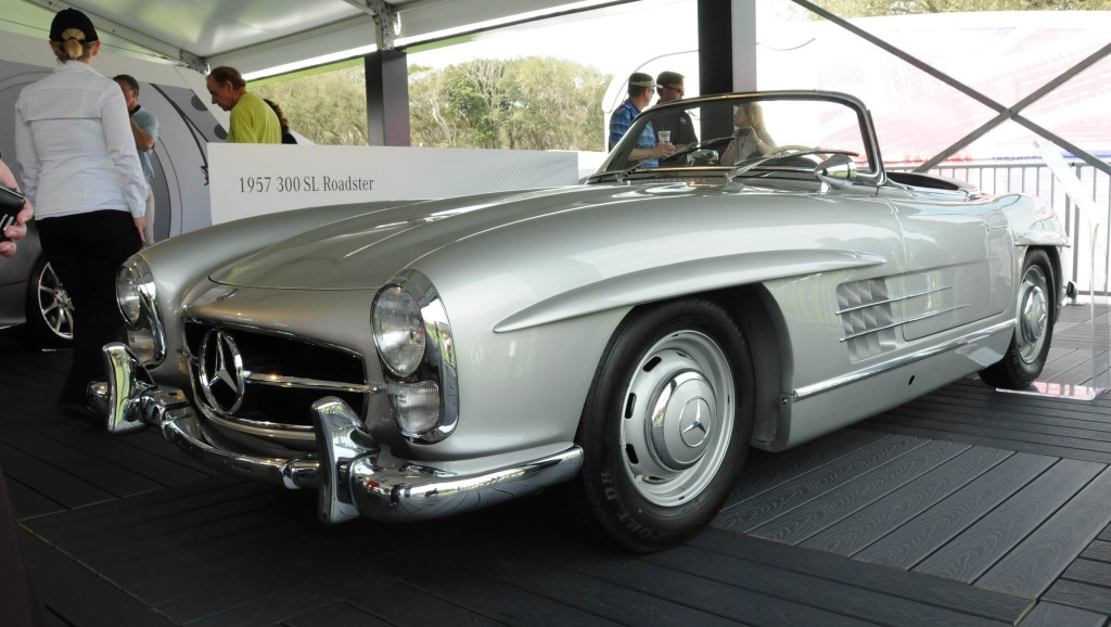 Picture of a 1957 Mercedes 300 SL Roadster at the 2016 Concours d'Elegance.