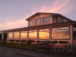 Terry Disley - piano @ Miramar Beach Resaurant   Half Moon Bay   California   United States