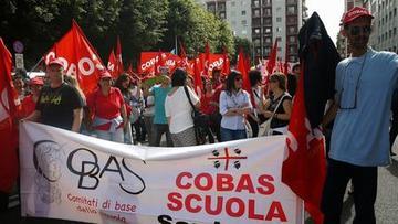 Manifestazione-Cobas-5-Maggio-2015-Cagliari-Sciopero-Generale-della-Scuola_imagelarge