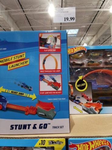 Costco-3137797-Hot-Wheels-STUNT-GO-Haule4
