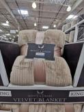 Costco-1369432-Northpoint-Trading-Inc-Etched-Blanket-King1