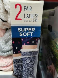 Costco-1064829-Jane-and-Bleecker-Slipper-Sock1