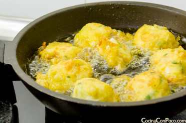 buñuelos de bacalao y patata caseros receta