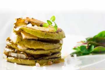 milhojas de manzana, foie y queso de cabra