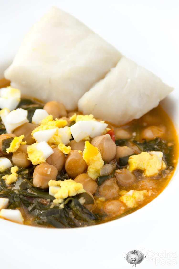 garbanzos con bacalao y espinacas receta tradicional de Semana Santa