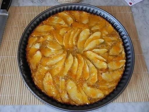 Tarta de manzana hecha en sarten