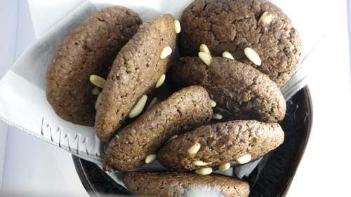Cookies de algarrobas y piñones: buenos!