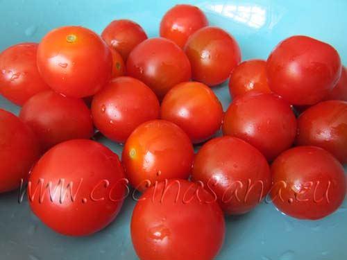 Lava y seca los tomates