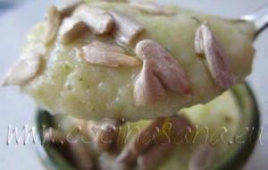 Crema de Calabacines con Leche fresca y Semillas de Girasol