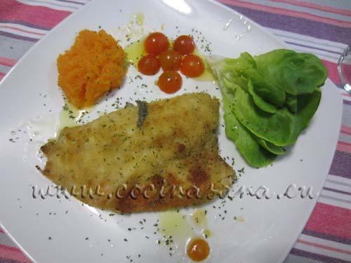 Hornea a 200ºC durante unos 15 minutos o hasta que el pescado esté bien cocido, debe tener un color ligeramente dorado, si no estás muy segura de su cocción puedes partirlo un poco para verificar que se encuentra en su punto.