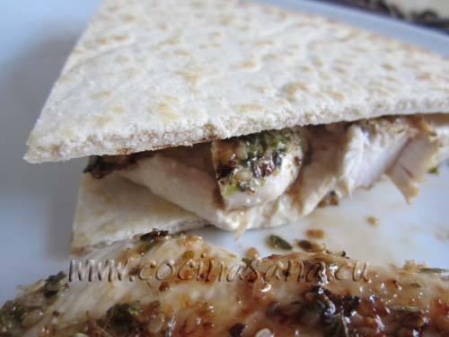 Acompáñalo con una ensalada y con un poco de pan o de arroz Basmati, y tu comida sana ay ligera está servida!