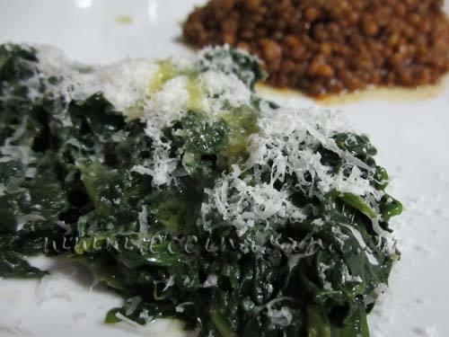 Espinacas salteadas con queso Parmigiano