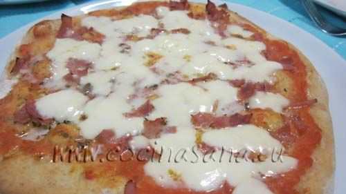 Cómo hacer pizza con la máquina del pan