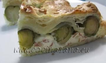Quiche de verduras con coles de Bruselas