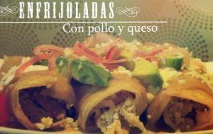 Enfrijoladas mexicanas con Pollo y Queso [Receta con Vídeo]