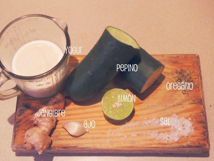 Ingredientes necesarios para la salsa de pepino